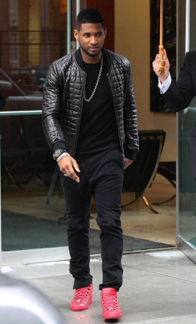 Usher-Quilted-bomber-jacket-Alexandre-Plokhov-Asymmetrical-front-trousers-pants-pavot-red-balenciaga-men-arena-high-sneakers-shoes-4