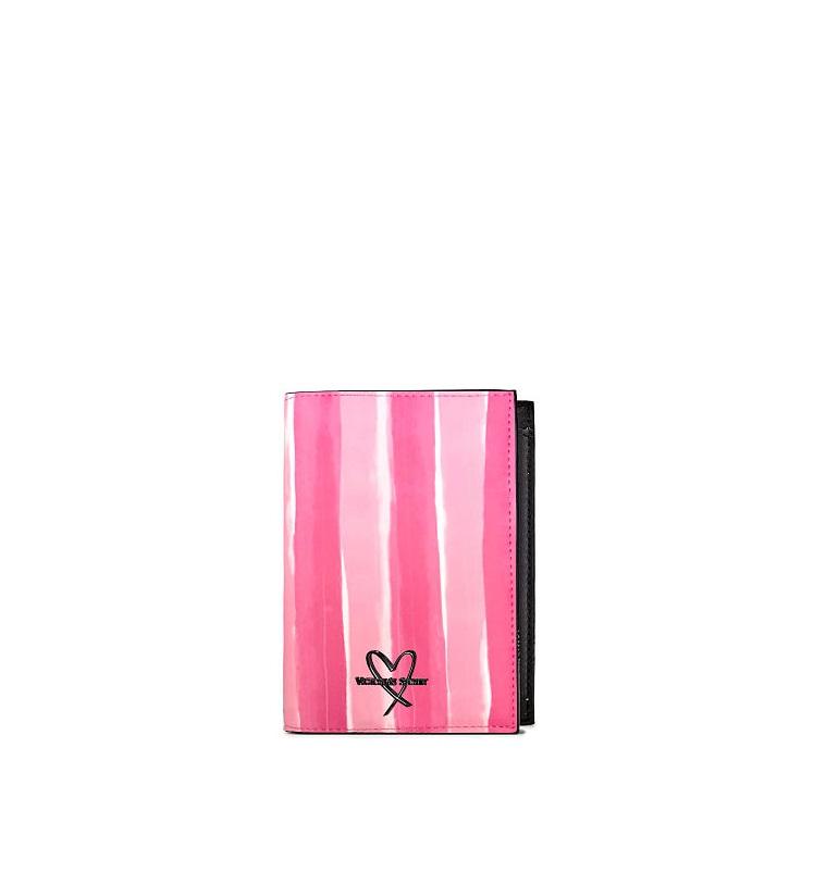 Victoria's Secret(ヴィクトリアズ・シークレット) パスポートケース