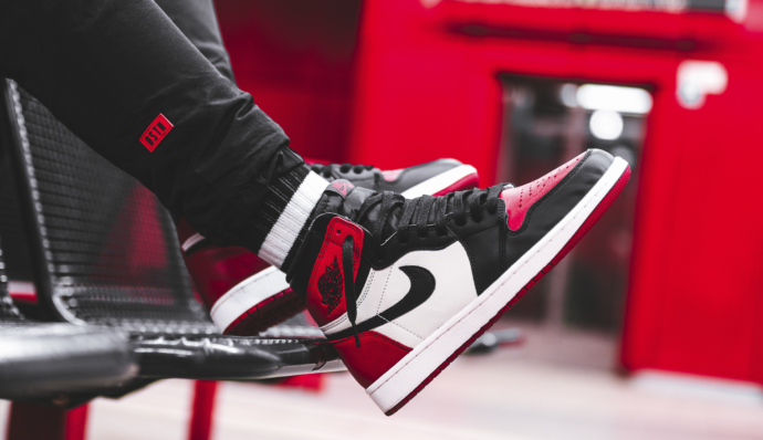 air-jordan-1-retro-high-og_gym-red-black-summit-white_555088-610-bstnstore-8