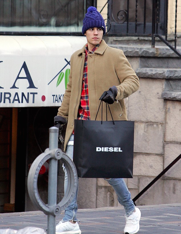 DIESEL(ディーゼル) メンズジャケット、ニット帽