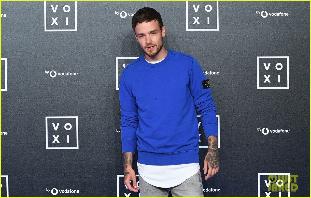 liam-payne-hits-the-stage-to-perform-at-voxi-event-in-london-05