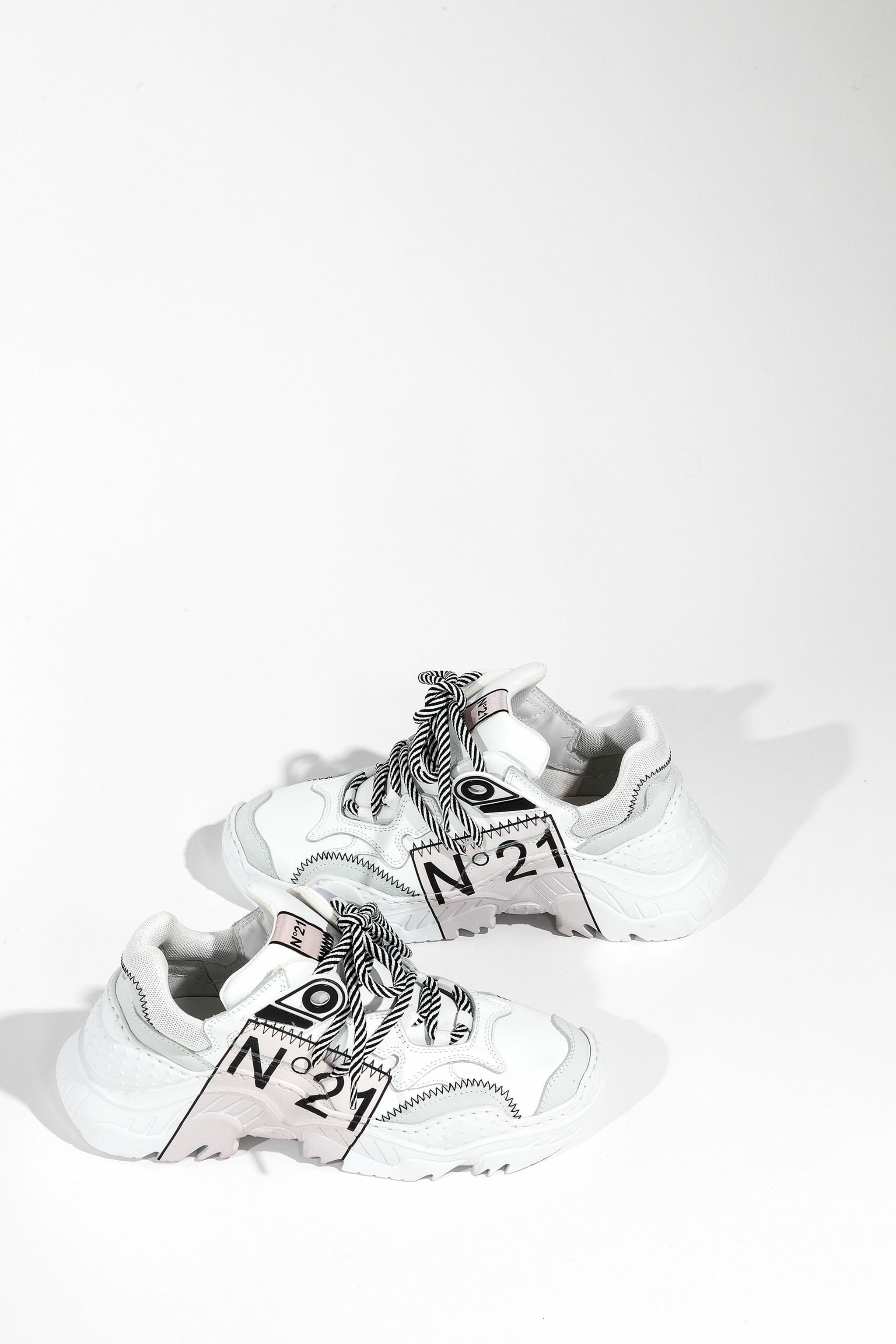 no21-limited-edition-billy-sneakers_13508562_17378857_2048