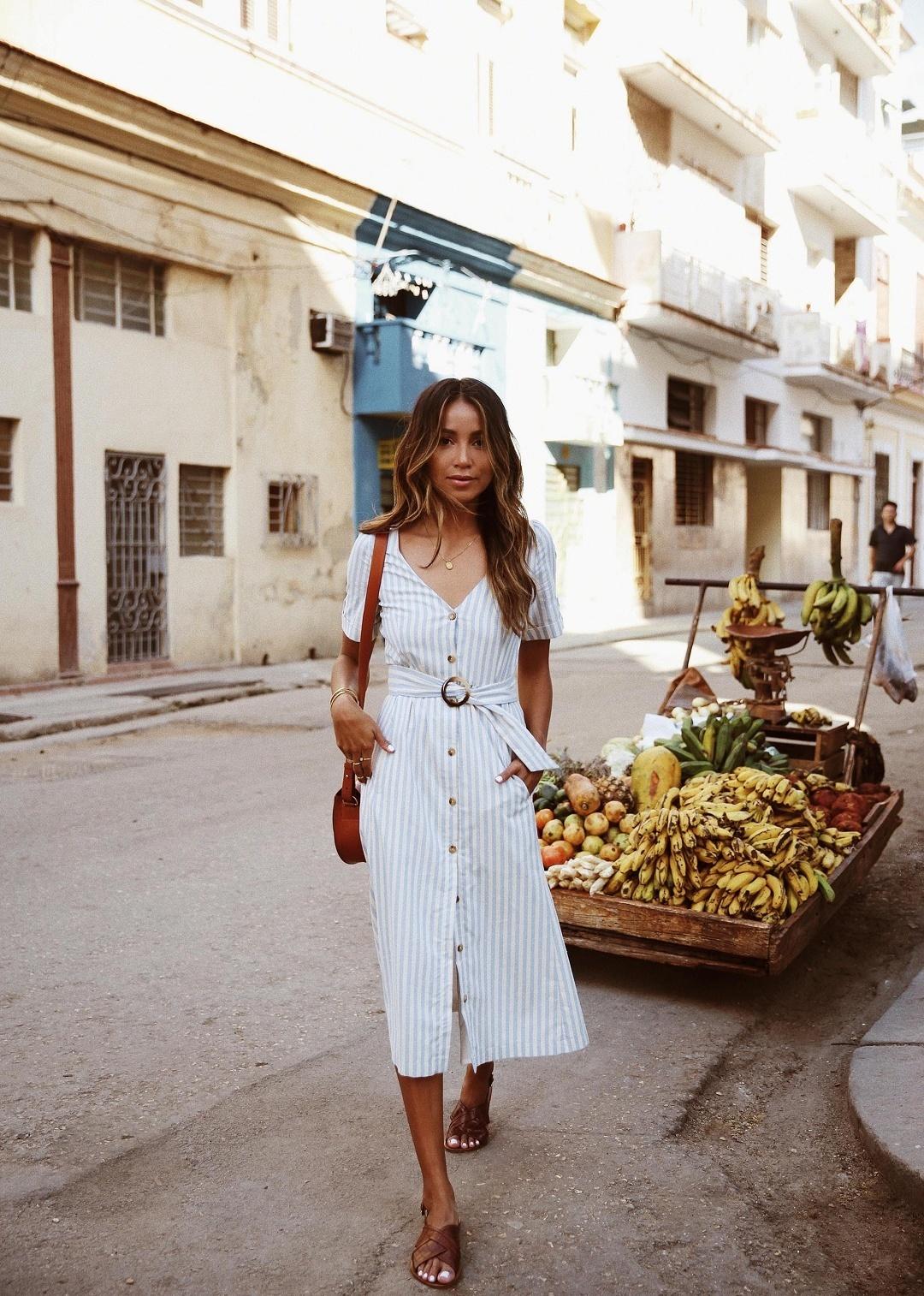 街で着る夏のワンピースは、派手過ぎずラフ過ぎないサマードレス♡