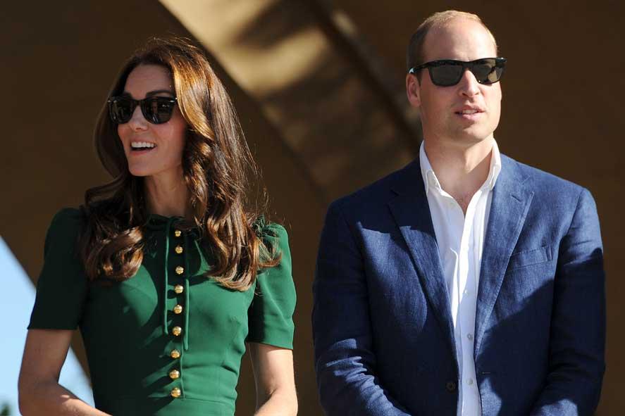 Kate-Middleton-Prince-William-Ray-Bans-003