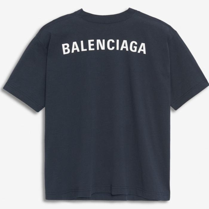 Balenciagaで仕上げる、ワンランク上のストリートスタイル