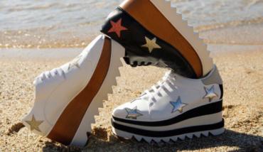 90年代のブーム再来!セレブ愛用の厚底靴