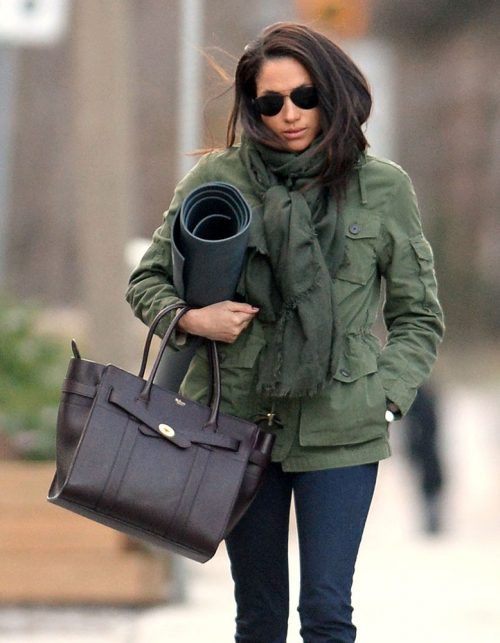 Meghan-Markle-Mulberry-Zipped-Bayswater-Bag-500x643