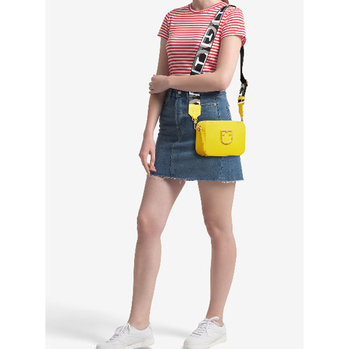 コーディネートを明るく彩る♡5万円以下のイエローミニバッグ特集