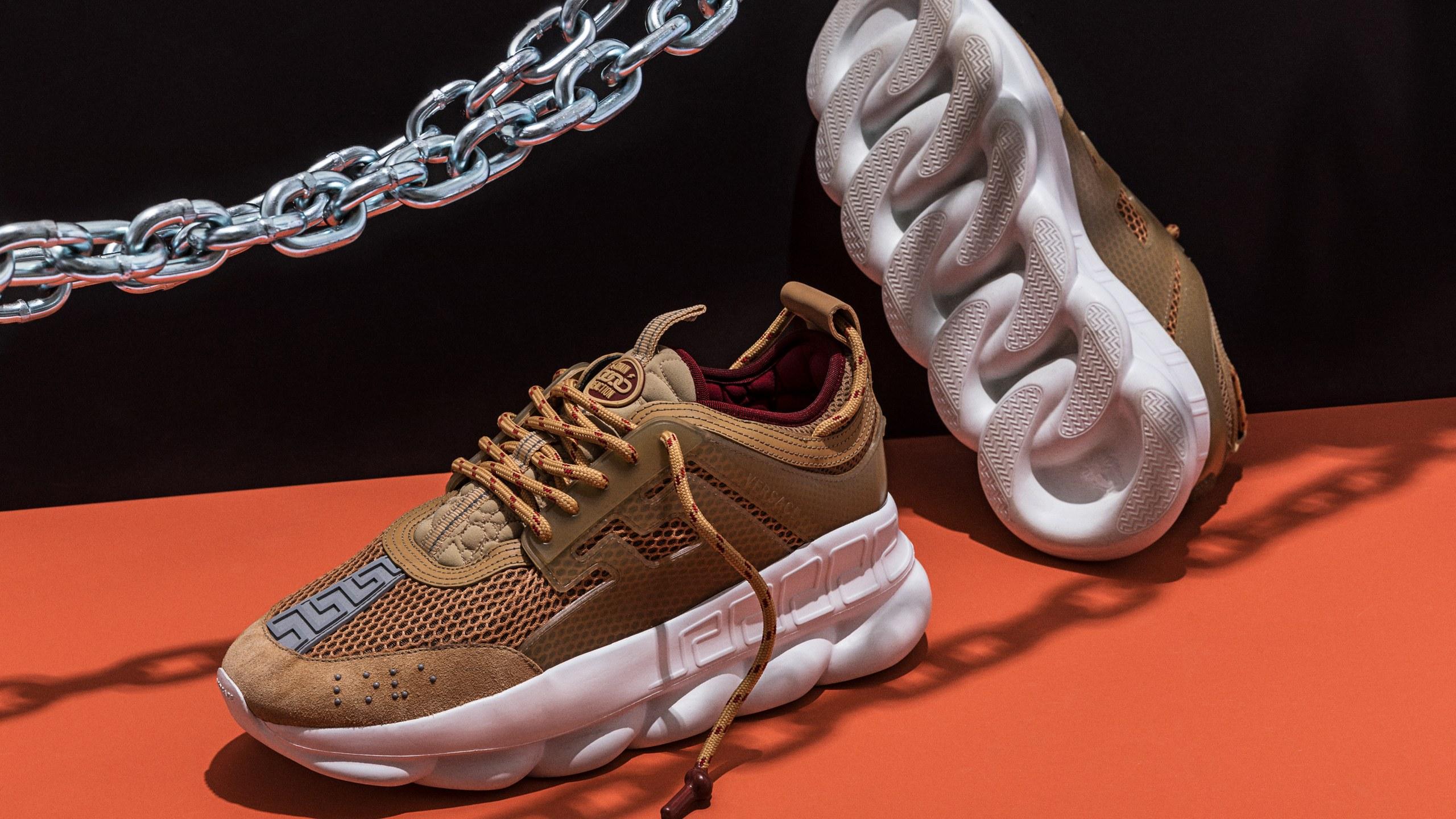 versace-chain-sneakers-02