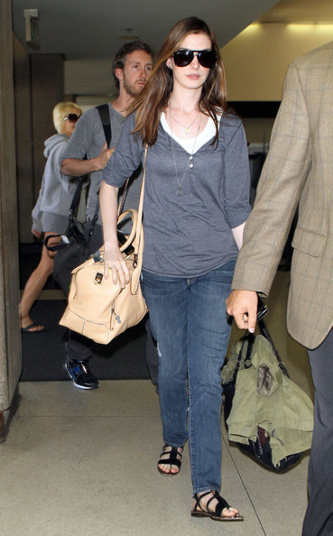 anne hathaway tods d bag bauletto